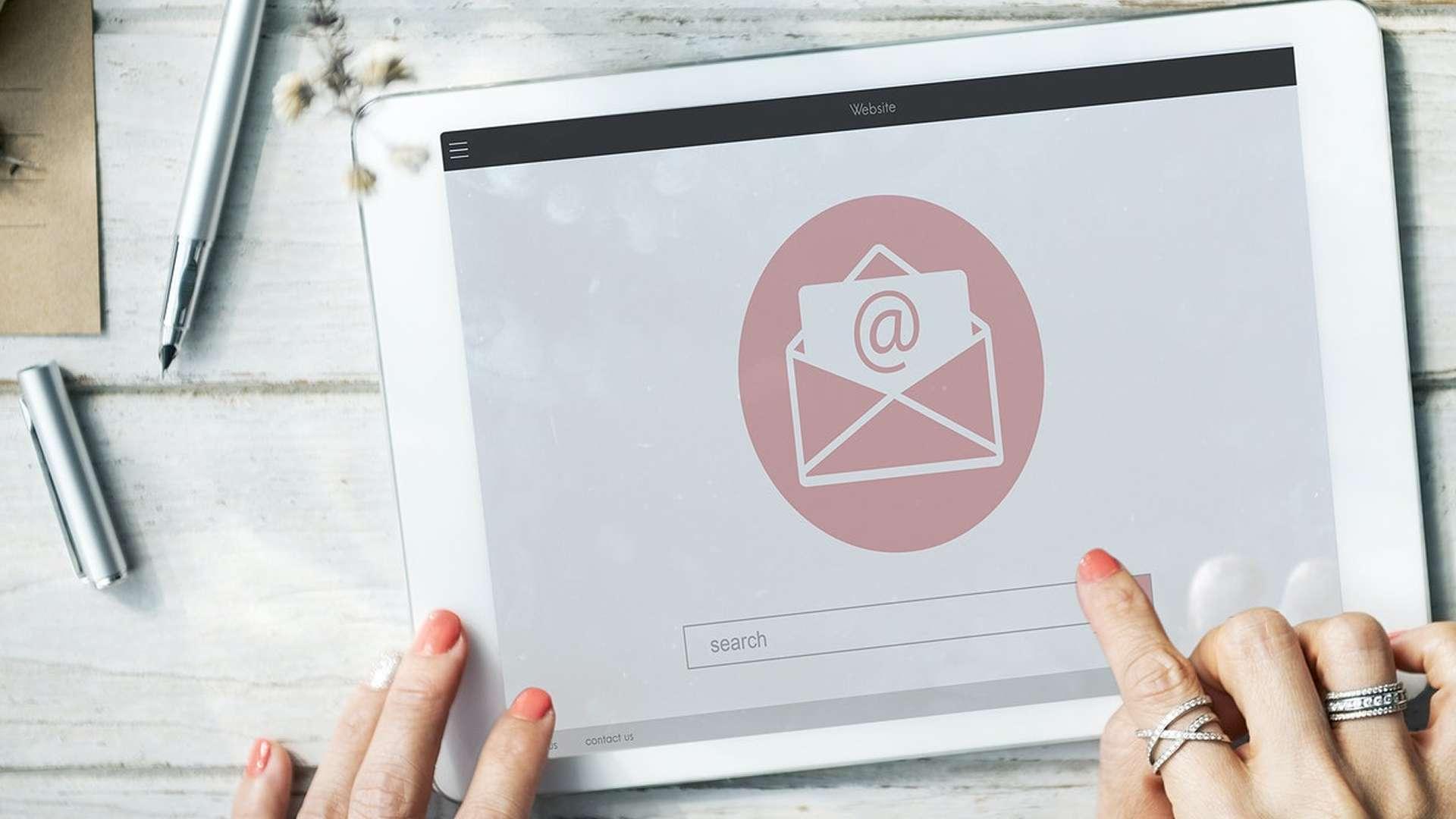 Ekaru - E-Mail Access